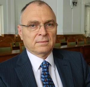 Dr.Gavriel Mozes